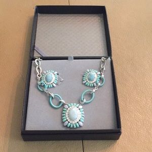 Carolee lux set of necklace and clip on earrings